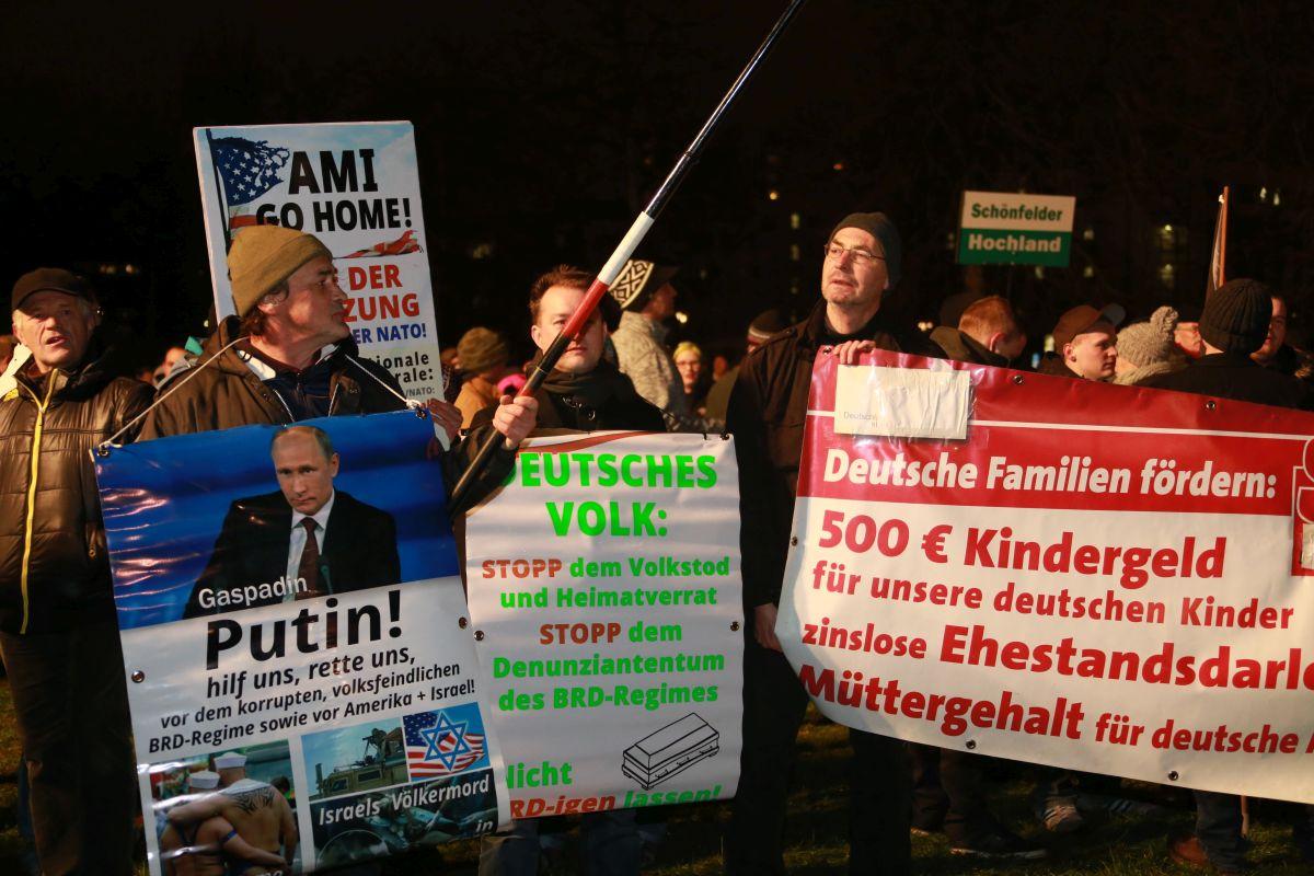 "Pegida am 5.1.2015 mit ""Putin hilf!"""